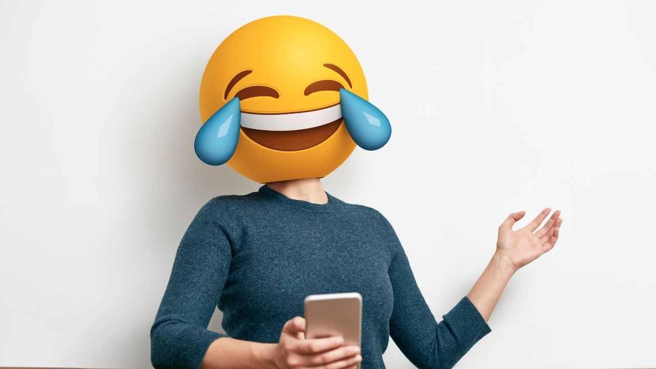 Razlika između emojija i emotikona